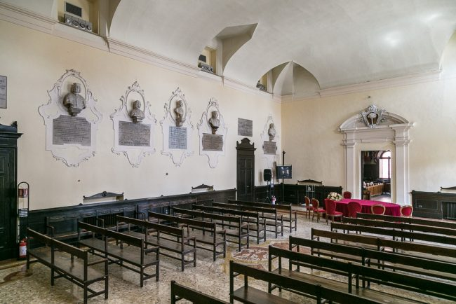 The Sala Preconsiliare with the busts of meritorious citizens