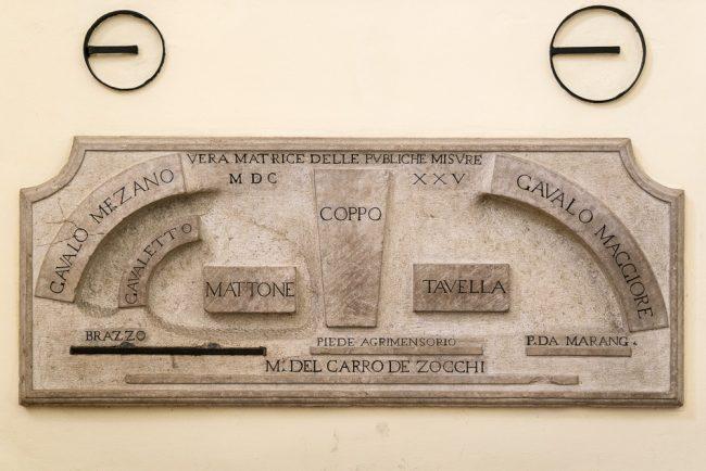 The 17th century matrix of the public measures in the sala preconsiliare.