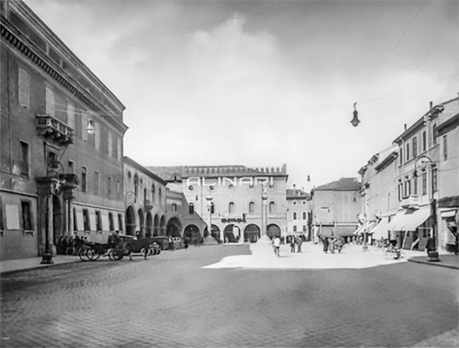 Piazza del Popolo in the past (1915-1920 ca.) – Alinari Archives Florence