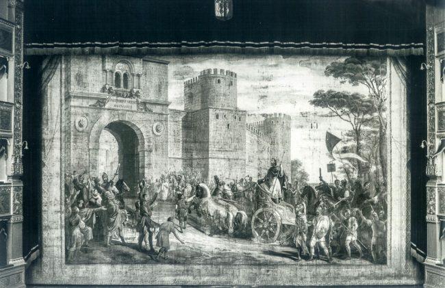 Il sipario, oggi perduto, raffigurante l'ingresso di Teoderico a Ravenna, dipinto da Giovanni Busato  - Foto Giovanni Sassi