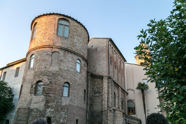 """La torre Salustra, probabile """"castellum aquae"""" dell'acquedotto di Traiano"""
