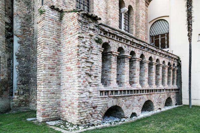 Resti di un fabbricato appartenente al complesso dell'antica Basilica Ursiana, risalente, nella forma attuale, al V secolo