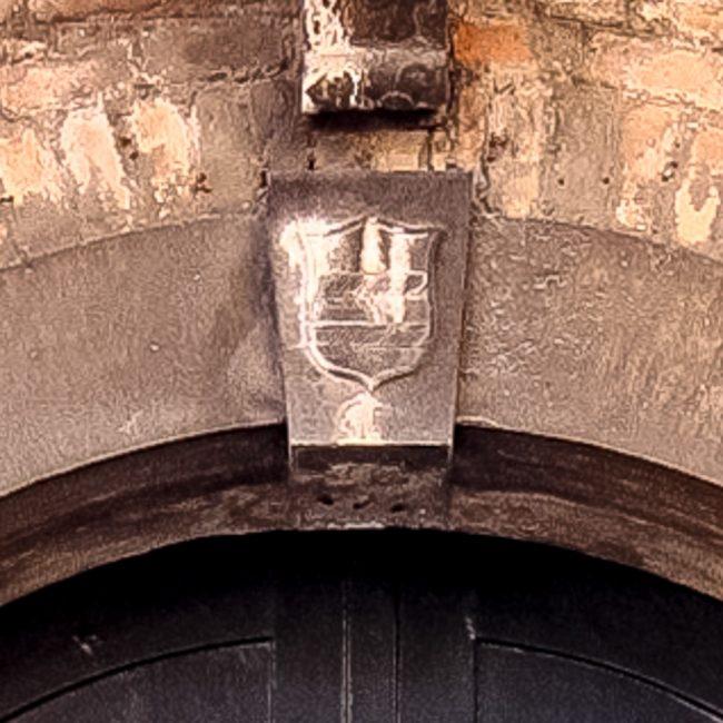 Lo stemma della famiglia Diedo sopra la porta di ingresso