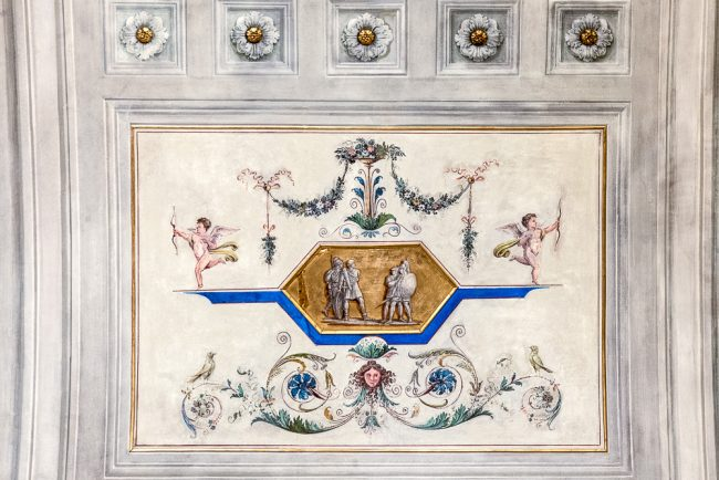"""The Proci's massacre room: Ceiling decorative elements: """"Raphael"""" or """"grotesque"""" style Pompeian revisited with very decorative purposes. At the center of the frame, small military scene - © Giampiero Corelli Fotoreporter"""