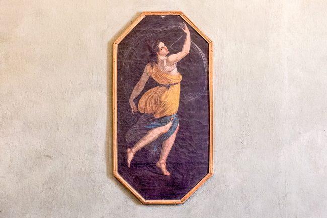 Sitting room or boudoir – Dancing female figure, in a wall of the room - © Giampiero Corelli Fotoreporter.
