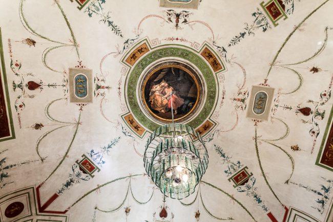 Bedroom or lovers room: the vault adorned with arabesques and rafaellesche - © Giampiero Corelli Fotoreporter