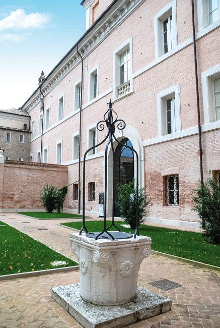 La vera da pozzo, nella corte - Archivio fotografico Comune di Ravenna