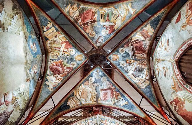 Gli affreschi di Santa Chiara, oggi nelle sale del Museo Nazionale: la volta – Archivio fotografico del Comune di Ravenna