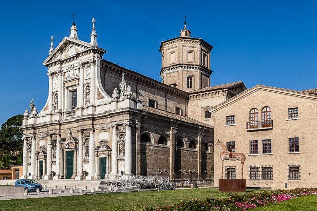 Facciata attuale della Basilica di Santa Maria in Porto