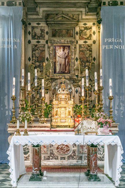 L'altare della Madonna Greca