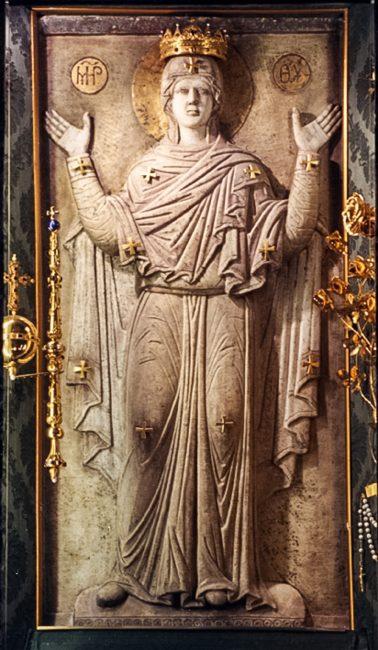 Bassorilievo in marmo della Madonna Greca