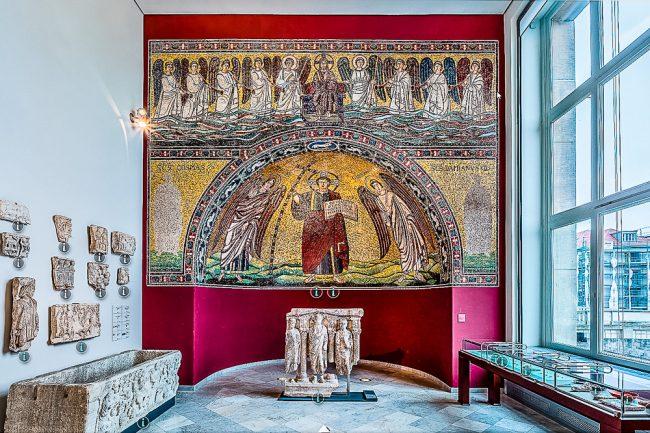 Mosaico absidale presso il Bode Museum di Berlino