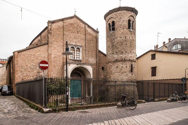 La facciata con campanile - © Giampiero Corelli Fotoreporter