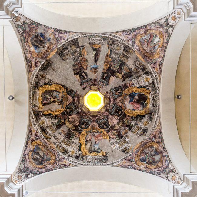 La cupola affrescata nel 1680 ca. da Francesco Ferrari (1634-1708)