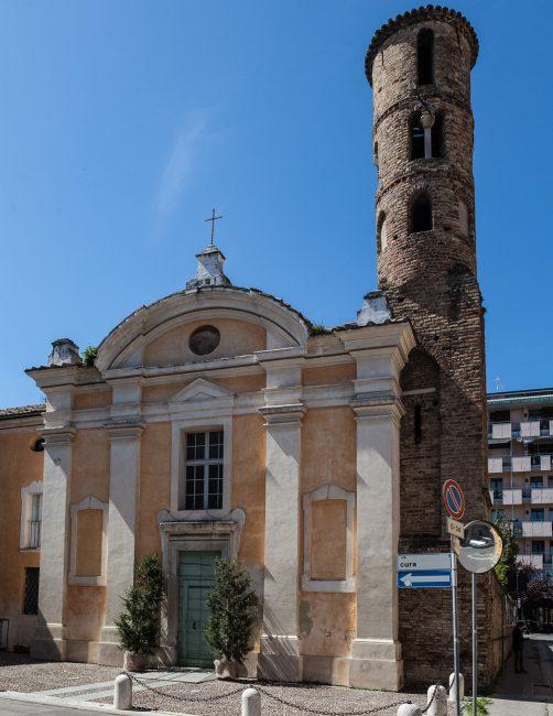La facciata con il caratteristico campanile - © Giampiero Corelli Fotoreporter