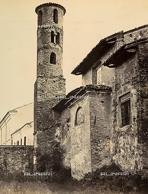 Il campanile – Foto della chiesa effettuata nel 1875 ca. – Raccolte Museali Fratelli Alinari Firenze