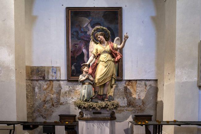 Statua rappresentante l'Angelo custode - © Giampiero Corelli Fotoreporter