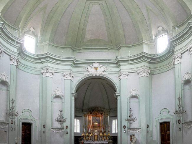 L'interno con la cupola