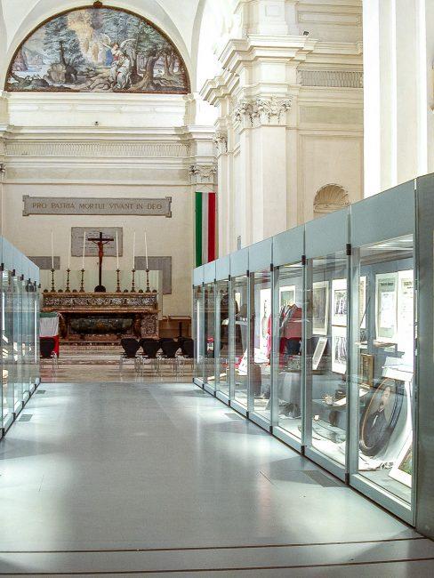 Interno – La navata centrale