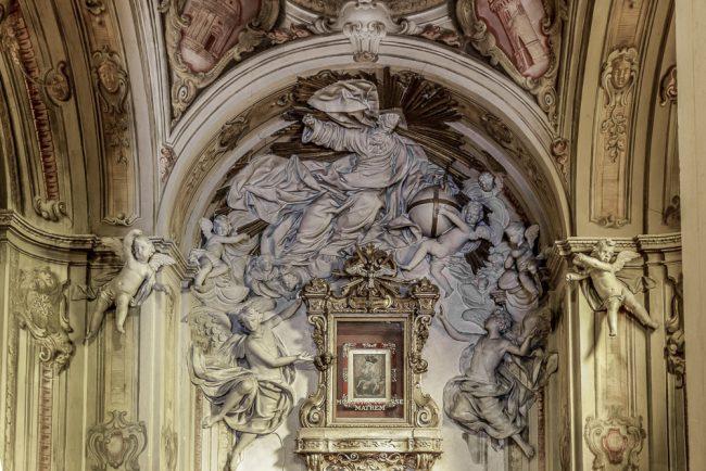 Gli stucchi che decorano la cappella della Madonna del Sudore