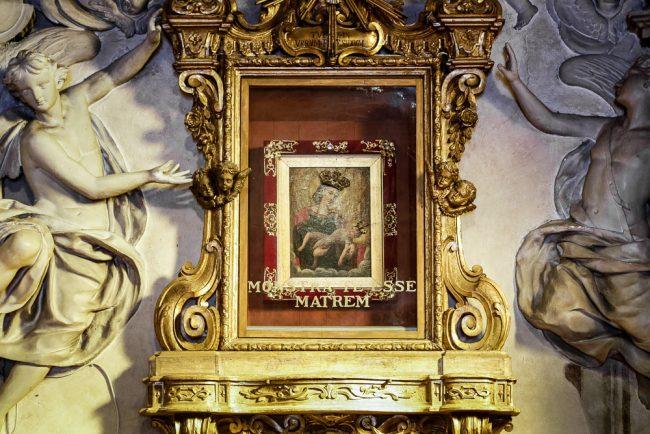 La Madonna del Sudore: particolare della teca che contiene l'immagine