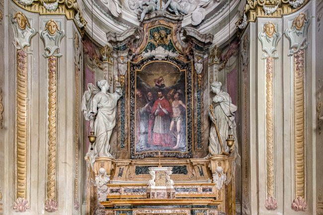 Interno – L'altare con la pala di Giovanni Barbiani (ambito) - © Giampiero Corelli Fotoreporter