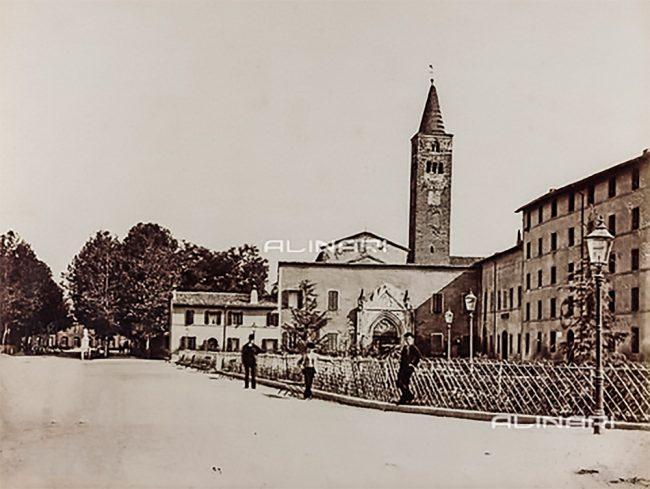La chiesa di San Giovanni Evangelista come si presentava negli anni 1880-90 – Raccolte Museali Fratelli Alinari, Firenze