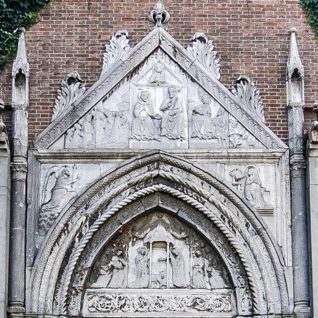 Portale – Particolare della lunetta in cui è raffigurata l'Apparizione di San Giovanni a Galla Placidia