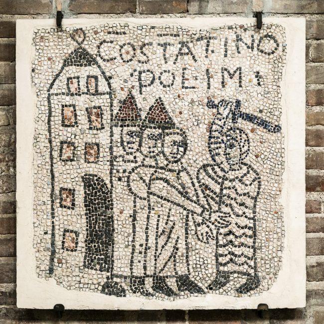 Lacerto musivo pavimentale medievale (XIII sec.): scena della IV Crociata