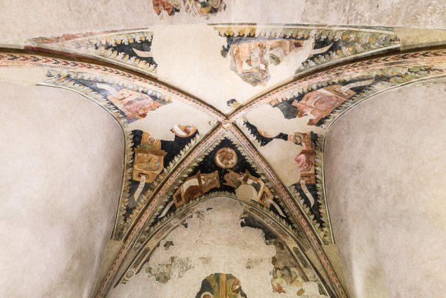 Cappella trecentesca con affreschi attribuibili alla scuola giottesca di Pietro da Rimini