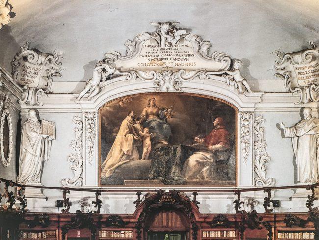Aula Magna – Francesco Mancini. The Camaldolesi Monk Graziano offers the book of Canons to Justice raised above the clouds, while Pope Gregory IX contemplates the scene – Ravenna Segreta – Angelo Longo Editore