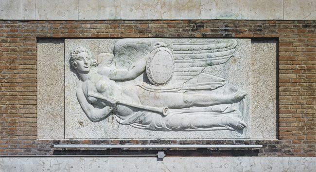 Bas-relief by Umberto Pinzauti – The fame - La nuova Casa del Mutilato - Edizioni del Girasole
