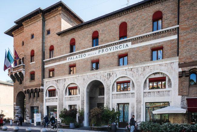 Current facade of the building on Piazza dei Caduti – © Giampiero Corelli Fotoreporter