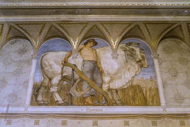 Sala del Presidente con i dipinti di Giovanni Maioli e Antonio Morocutti; l'allegoria di Ravenna - Per gentile concessione del Servizio Pubbliche relazioni della Provincia di Ravenna