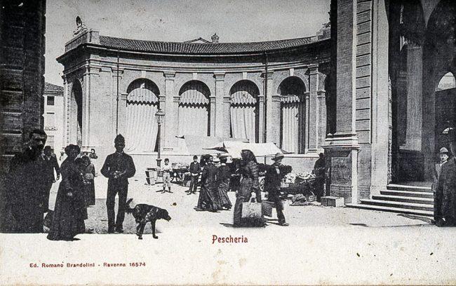 L' esedra Vignuzzi costruita nel1893-94: l'ala sinistra - Foto Gaetano Savini – Archivi fotografici Istituzione Biblioteca Classense, Ravenna