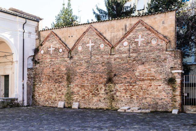 Il muro di Droctulf: vista d'insieme